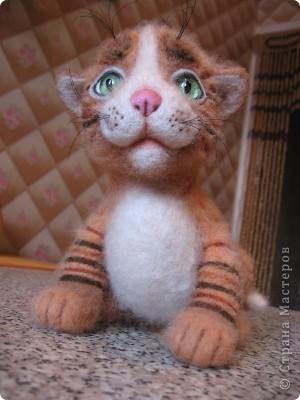 Тигрёнок Проша. Размер:17 см.100% шерсть, стеклянные глазки. Техника сухого валяния. фото 1