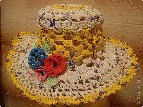 Шляпа из полиэтиленовых пакетов