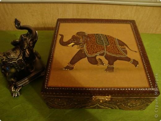 """Шкатулка """"Восточная"""".Использовала салфетки,контуры,лак.В подарок сестре-она увлеклась собиранием фигурок слонов. фото 1"""