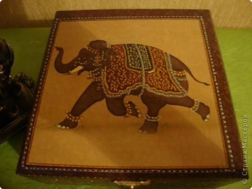 """Шкатулка """"Восточная"""".Использовала салфетки,контуры,лак.В подарок сестре-она увлеклась собиранием фигурок слонов. фото 4"""