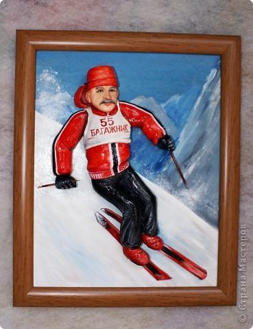 """Это лыжника я делала к юбилею. Внучка завет дедушку """"Багажник""""))), поэтому такая надпись. Сам дедушка очень любит кататься на лыжах. Поэтому такая тематика картины... фото 2"""