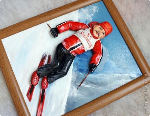 """Это лыжника я делала к юбилею. Внучка завет дедушку """"Багажник""""))), поэтому такая надпись. Сам дедушка очень любит кататься на лыжах. Поэтому такая тематика картины... фото 3"""