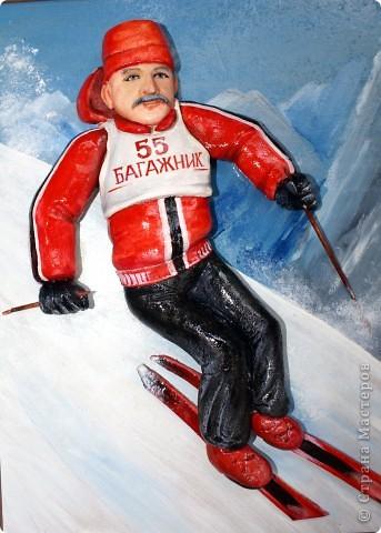 """Это лыжника я делала к юбилею. Внучка завет дедушку """"Багажник""""))), поэтому такая надпись. Сам дедушка очень любит кататься на лыжах. Поэтому такая тематика картины... фото 1"""