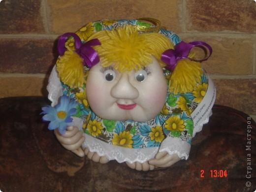 На головку куклы надели летнюю беретку, связанную доченькой. Правда ей к лицу? фото 3