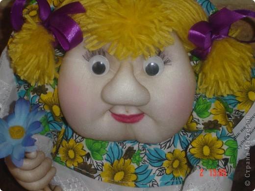На головку куклы надели летнюю беретку, связанную доченькой. Правда ей к лицу? фото 4