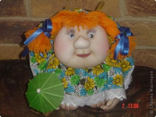 На головку куклы надели летнюю беретку, связанную доченькой. Правда ей к лицу? фото 5