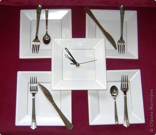 Часы из одноразовой посуды