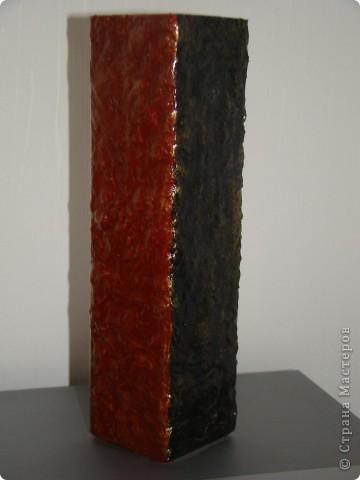керамический горшок. акриловые краски, салфетка, на пустые места нанесла железной губкой акриловую краску разных цветов. получилось как будто брызги. фото 10