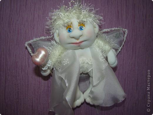 Давно хотела сделать ангелочка. Задумка была немного другая, но тем и интереснее шить, не знаешь, какой получится. фото 1