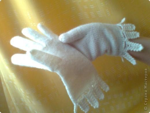 """Перчатки вязала по описанию и схеме, которые нашла в журнале """"Ручная работа"""". Там они называются """"Леди"""". У меня не так изящно получилось, как у дизайнера Евгении Холминовой, но мне нравится. фото 1"""