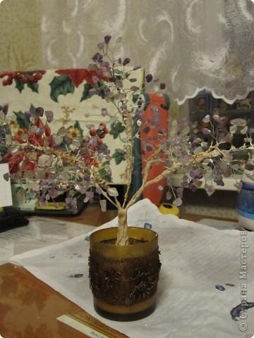 Не знала как обозвать технику, назвала бисероплетение. Фото получились не очень, но дерево само вроде симпатичное, дерево состоит из 5-ти веточек. фото 1