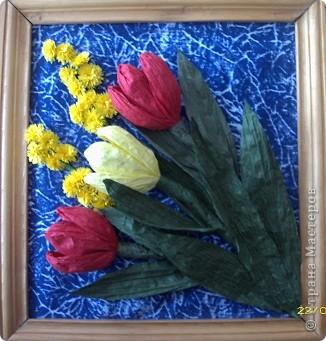Вот такие тюльпаны расцвели у нас с Танюшкой. Сделаны они из бумажных раскрученных веревок, есть такие в наборах для творчества.  фото 1