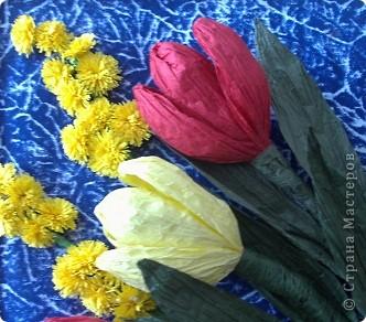 Вот такие тюльпаны расцвели у нас с Танюшкой. Сделаны они из бумажных раскрученных веревок, есть такие в наборах для творчества.  фото 4
