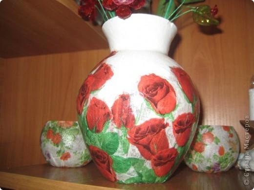 сынуля подарил на день рождения стеклянную вазу а я ее обклеила...