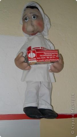 кукла в рабочей фирменной одежде