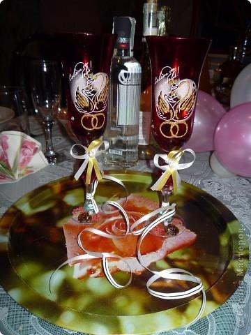 Сердце из гофрированной бумаги. Середина из роз. Края выполнены по технике торцевания. Изготовление роз можно глянуть здесь http://stranamasterov.ru/node/81433?c=favorite фото 2