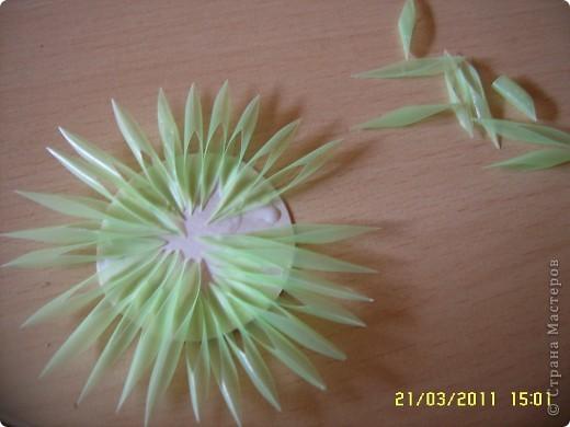Посмотрите какую красоту можно сделать из коктейльных трубочек! как вам идея? из таких штучек можно сделать цветы, а можно использовать как декор, тут уж полёт фантазии. А делаются очень просто! фото 3