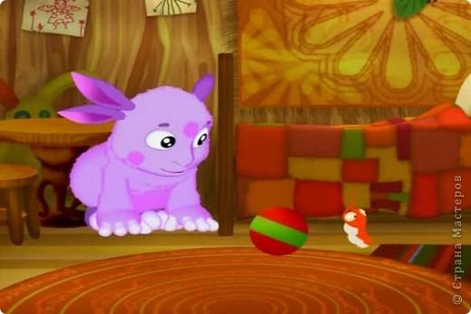 """Моя дочка очень любит м/ф """"Лунтик"""", и одна из ее любимых сериий, серия про дикую букашку. Лунтика мы купили, решила связать для него букашку. Дочке очень понравилась.  фото 3"""