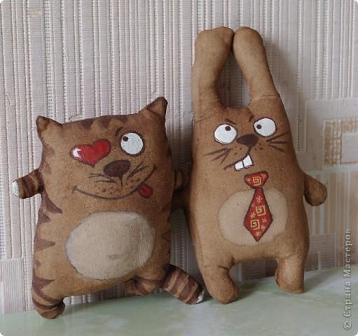 Кто о чем думает... Навеяли коты вот отсюда : Виктория  http://stranamasterov.ru/node/151375