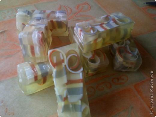 Мои повторялки :) Домики-окошки (не помню, у кого подсмотрела, но спасибо той рукодельнице) и мыло с люфой на травках. С запахом зеленого чая и луговых трав. фото 5