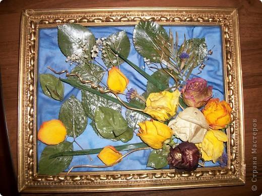 Так хочется продлить праздник!Высушенные розы,листья.