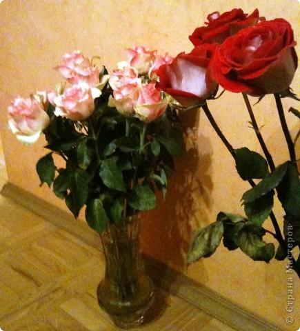 Продолжаю о подареных цветах, чтобы, так сказать, охватить всю картину ))) Это букет таких же роз, как стоят у меня - брат подарил маме фото 3