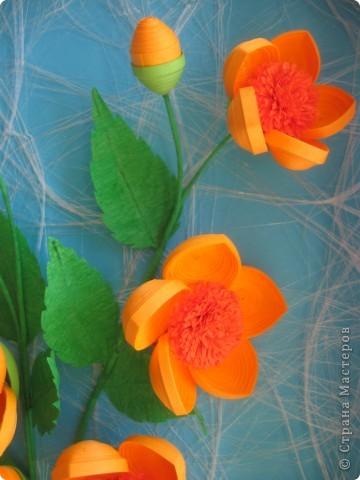 Мои цветочки- это гибрид из всех подобных цветов, увиденных мною в стране Мастеров. Что-то между огоньками, шиповником, пионами ( у Ольги Ольшак, например).Вот, посмотрите: фото 4