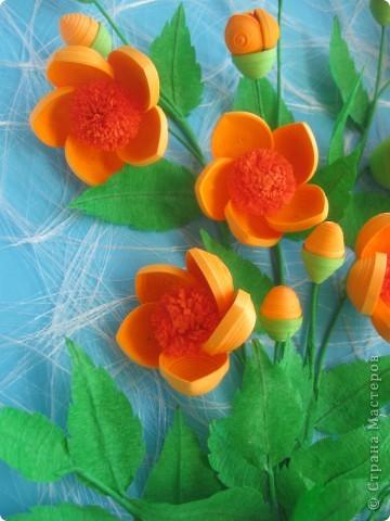 Мои цветочки- это гибрид из всех подобных цветов, увиденных мною в стране Мастеров. Что-то между огоньками, шиповником, пионами ( у Ольги Ольшак, например).Вот, посмотрите: фото 5