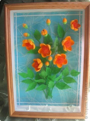 Мои цветочки- это гибрид из всех подобных цветов, увиденных мною в стране Мастеров. Что-то между огоньками, шиповником, пионами ( у Ольги Ольшак, например).Вот, посмотрите: фото 7