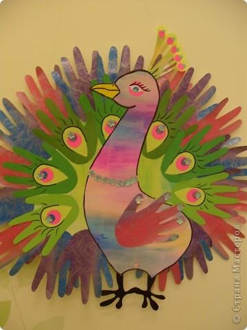 """Готовимся к Празднику птиц. 1 апреля - завершается наш проект """"Птицы... они такие разные"""". Заключительным этапом будет викторина между двумя командами детей старших групп. Дети готовятся серьезно и основательно. С моей помощью каждый смастерил свою птицу и готовит ей презентацию. фото 1"""