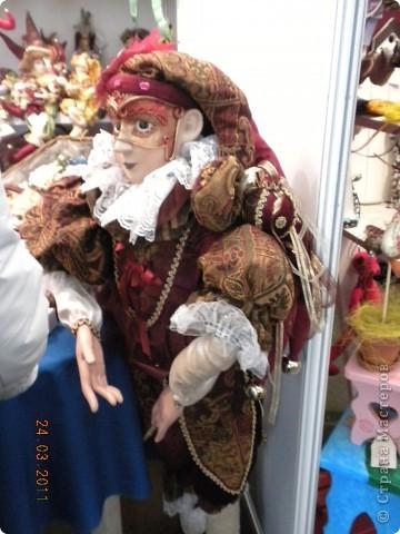 """Вчера я побывала на выставке """"Стильная кукла"""", которая проходит в г. Одессе. Спешу поделиться с вами рукотворной красотой. К сожалению, не могу написать имена мастеров, так как познакомиться с ними не догдалась. Если ещё раз схожу на неё ( очень хотелось бы), то обязательно исправлюсь. Если кто-то узнает свои работы - напишите мне. фото 6"""
