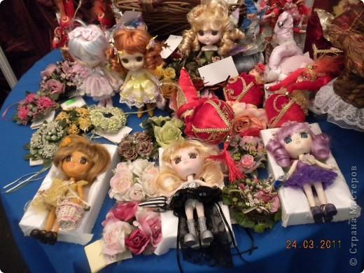 """Вчера я побывала на выставке """"Стильная кукла"""", которая проходит в г. Одессе. Спешу поделиться с вами рукотворной красотой. К сожалению, не могу написать имена мастеров, так как познакомиться с ними не догдалась. Если ещё раз схожу на неё ( очень хотелось бы), то обязательно исправлюсь. Если кто-то узнает свои работы - напишите мне. фото 7"""