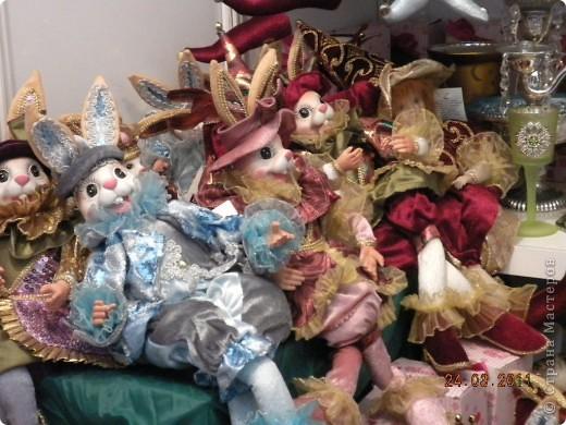 """Вчера я побывала на выставке """"Стильная кукла"""", которая проходит в г. Одессе. Спешу поделиться с вами рукотворной красотой. К сожалению, не могу написать имена мастеров, так как познакомиться с ними не догдалась. Если ещё раз схожу на неё ( очень хотелось бы), то обязательно исправлюсь. Если кто-то узнает свои работы - напишите мне. фото 8"""