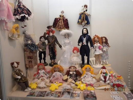 """Вчера я побывала на выставке """"Стильная кукла"""", которая проходит в г. Одессе. Спешу поделиться с вами рукотворной красотой. К сожалению, не могу написать имена мастеров, так как познакомиться с ними не догдалась. Если ещё раз схожу на неё ( очень хотелось бы), то обязательно исправлюсь. Если кто-то узнает свои работы - напишите мне. фото 19"""