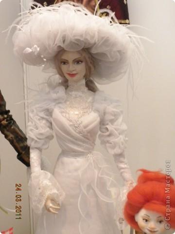 """Вчера я побывала на выставке """"Стильная кукла"""", которая проходит в г. Одессе. Спешу поделиться с вами рукотворной красотой. К сожалению, не могу написать имена мастеров, так как познакомиться с ними не догдалась. Если ещё раз схожу на неё ( очень хотелось бы), то обязательно исправлюсь. Если кто-то узнает свои работы - напишите мне. фото 22"""