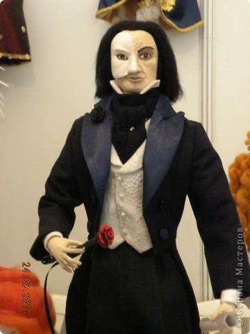 """Вчера я побывала на выставке """"Стильная кукла"""", которая проходит в г. Одессе. Спешу поделиться с вами рукотворной красотой. К сожалению, не могу написать имена мастеров, так как познакомиться с ними не догдалась. Если ещё раз схожу на неё ( очень хотелось бы), то обязательно исправлюсь. Если кто-то узнает свои работы - напишите мне. фото 23"""