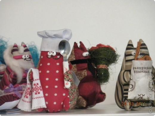 """Вчера я побывала на выставке """"Стильная кукла"""", которая проходит в г. Одессе. Спешу поделиться с вами рукотворной красотой. К сожалению, не могу написать имена мастеров, так как познакомиться с ними не догдалась. Если ещё раз схожу на неё ( очень хотелось бы), то обязательно исправлюсь. Если кто-то узнает свои работы - напишите мне. фото 28"""