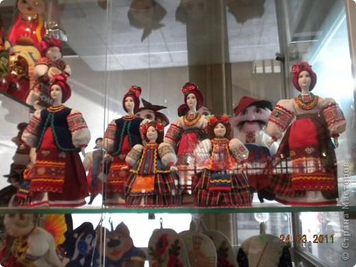 """Вчера я побывала на выставке """"Стильная кукла"""", которая проходит в г. Одессе. Спешу поделиться с вами рукотворной красотой. К сожалению, не могу написать имена мастеров, так как познакомиться с ними не догдалась. Если ещё раз схожу на неё ( очень хотелось бы), то обязательно исправлюсь. Если кто-то узнает свои работы - напишите мне. фото 31"""