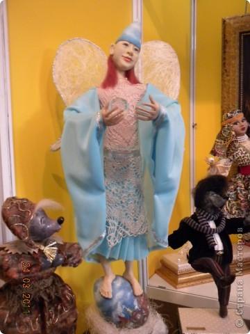 """Вчера я побывала на выставке """"Стильная кукла"""", которая проходит в г. Одессе. Спешу поделиться с вами рукотворной красотой. К сожалению, не могу написать имена мастеров, так как познакомиться с ними не догдалась. Если ещё раз схожу на неё ( очень хотелось бы), то обязательно исправлюсь. Если кто-то узнает свои работы - напишите мне. фото 32"""