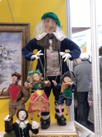 """Вчера я побывала на выставке """"Стильная кукла"""", которая проходит в г. Одессе. Спешу поделиться с вами рукотворной красотой. К сожалению, не могу написать имена мастеров, так как познакомиться с ними не догдалась. Если ещё раз схожу на неё ( очень хотелось бы), то обязательно исправлюсь. Если кто-то узнает свои работы - напишите мне. фото 36"""