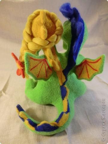 валяный шуточный дракончик с бабочкой, рост23см фото 2