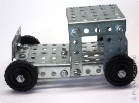 Это машина из конструктора. фото 1