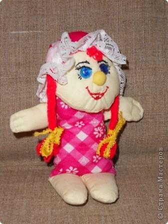 """Наконец нашла своё """"сокровище"""" - образцы прежних кукол из ткани. Мы их шили с таким удовольствием в то время, когда в магазинах не было такого выбора кукол, как сейчас... Тем они были и дороги. Даже ткани было мало, я использовала свои запасы. фото 3"""