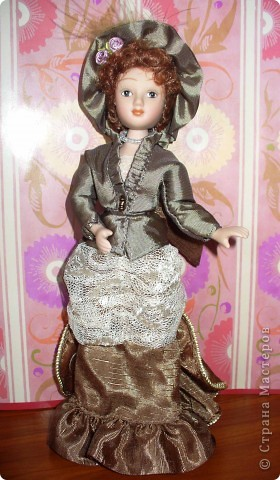 """Увидев по ТВ рекламу журнала с куклами """"Дамы эпохи"""", решила, что обязательно соберу всю коллекцию. Купила первую куклу -  Джейн Эйр. Но, она не была похожа на героиню известного романа. фото 1"""