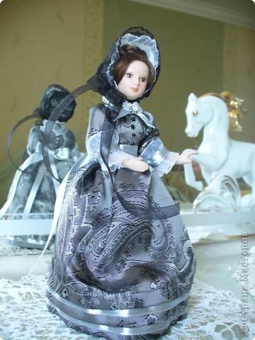 """Увидев по ТВ рекламу журнала с куклами """"Дамы эпохи"""", решила, что обязательно соберу всю коллекцию. Купила первую куклу -  Джейн Эйр. Но, она не была похожа на героиню известного романа. фото 5"""