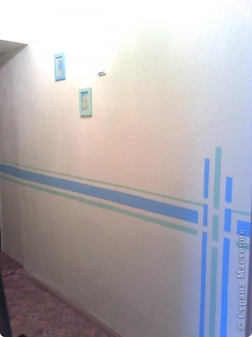 Вот так я выкрасила стены в коридоре с помощью малярного скотча и водно-дисперсионной краски фото 2
