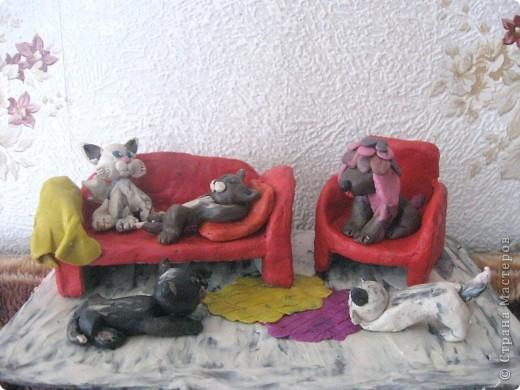 Это поделка в садик сыну на конкурс, посвященный домашним животным. Делала в январе этого года. ...:)))