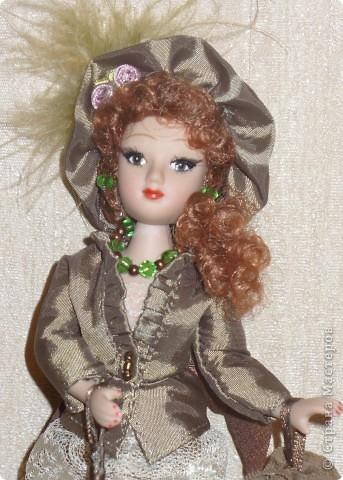 """Увидев по ТВ рекламу журнала с куклами """"Дамы эпохи"""", решила, что обязательно соберу всю коллекцию. Купила первую куклу -  Джейн Эйр. Но, она не была похожа на героиню известного романа. фото 4"""