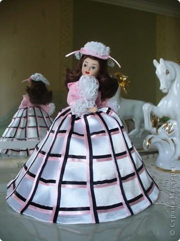 """Увидев по ТВ рекламу журнала с куклами """"Дамы эпохи"""", решила, что обязательно соберу всю коллекцию. Купила первую куклу -  Джейн Эйр. Но, она не была похожа на героиню известного романа. фото 7"""