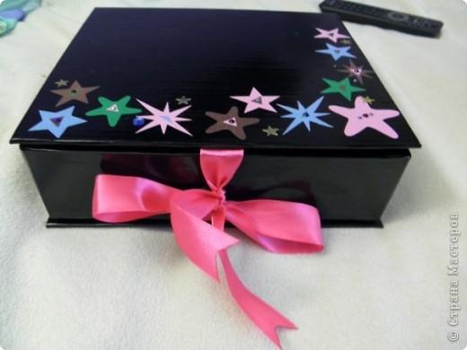 Эту коробочку я делала в подарок знакомой, у которой была проблема с хранением бижутерии. фото 1